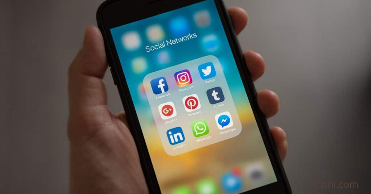 hacking social media image